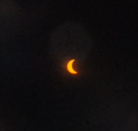 Eclipse view at Oak Ridge National Laboratory in Tennessee (image by Xiaoming Liu)